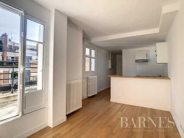 Studio Paris 75016  -  ref 5984350 (picture 1)