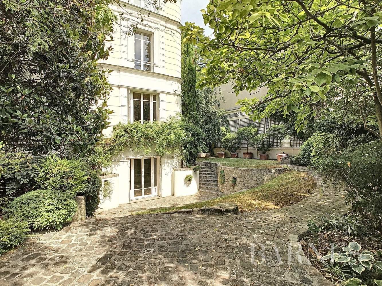Paris  - Hôtel particulier 9 Pièces 4 Chambres - picture 16