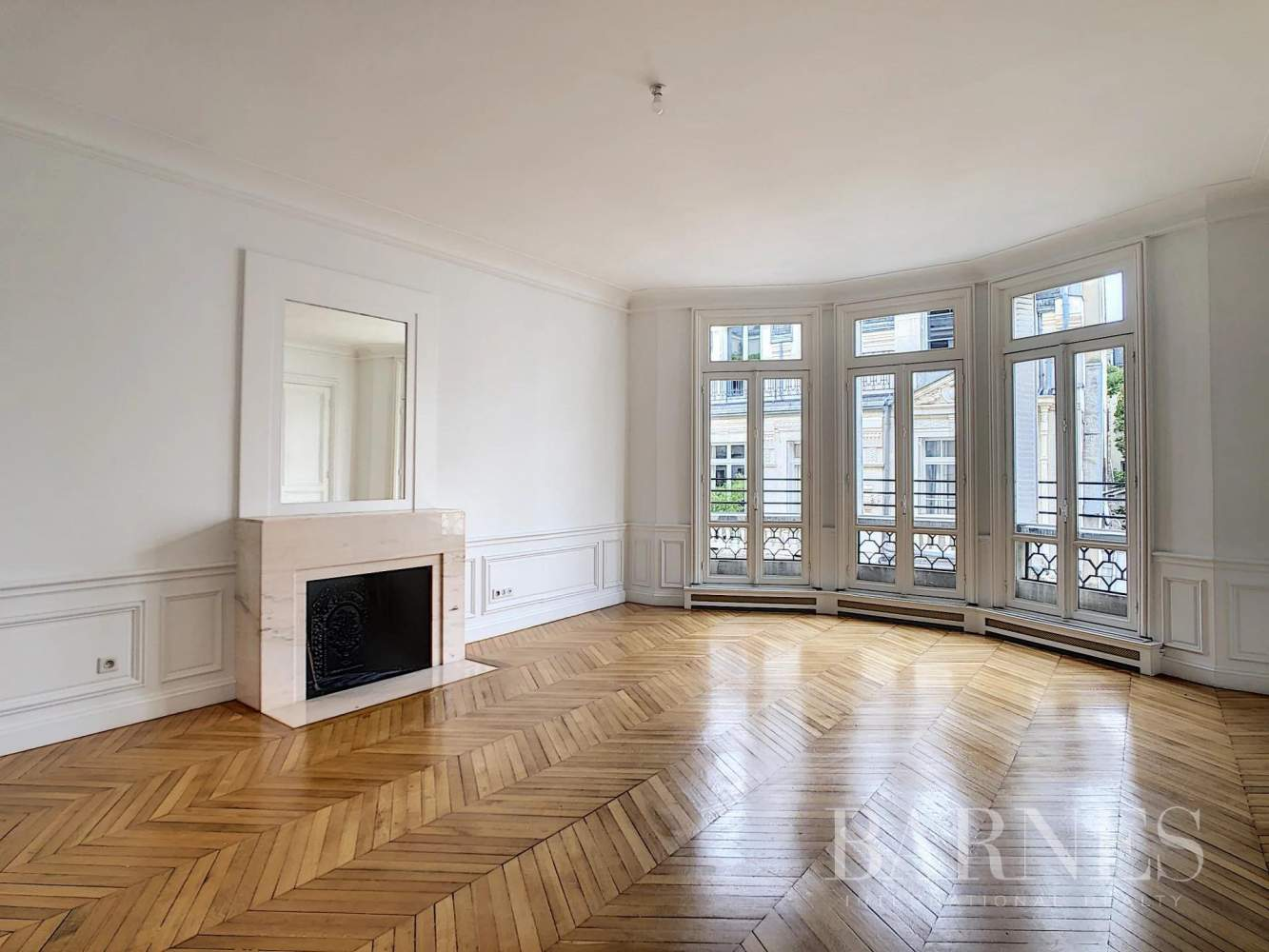 Paris  - Appartement 7 Pièces 3 Chambres - picture 1
