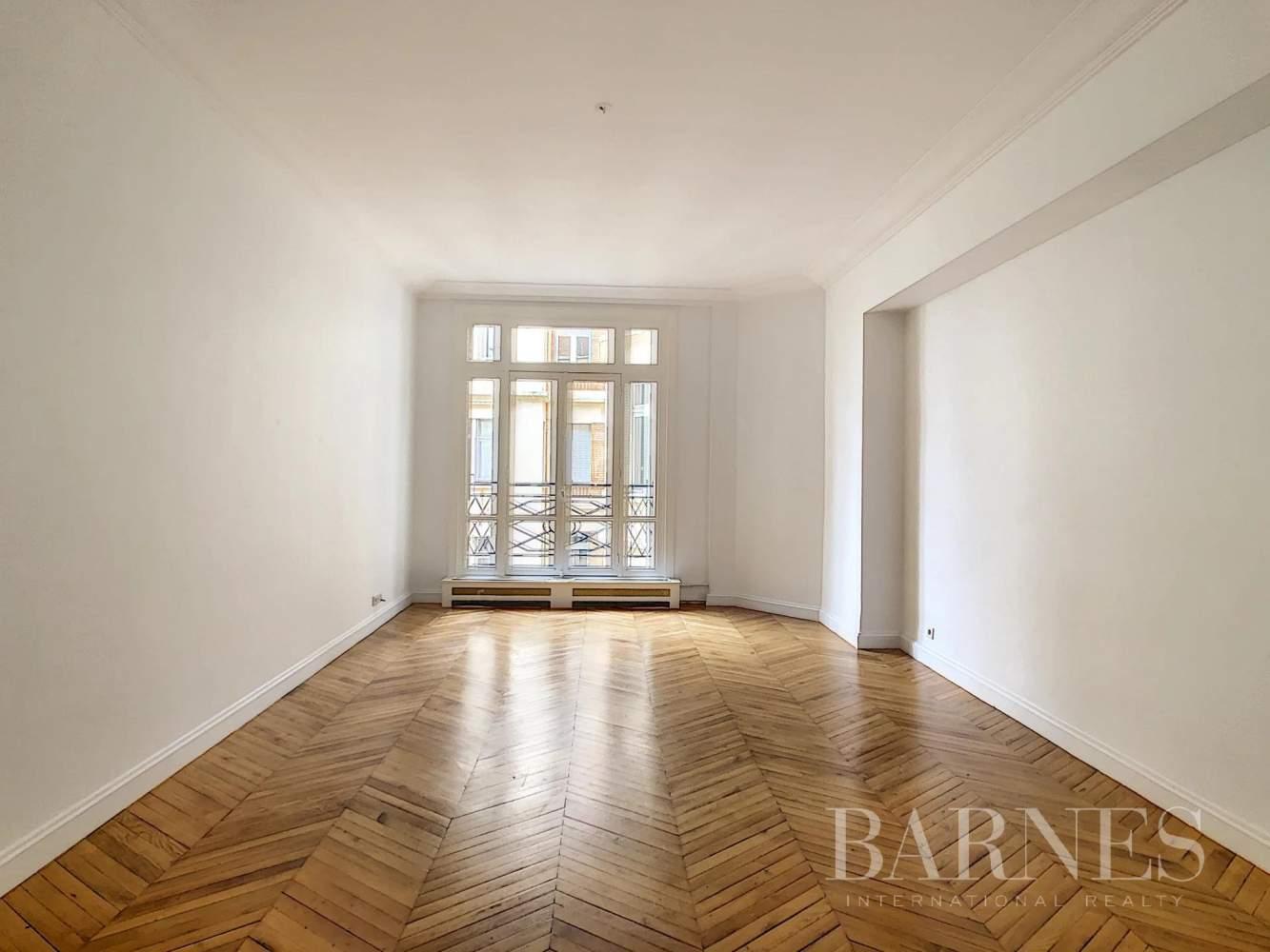 Paris  - Appartement 7 Pièces 3 Chambres - picture 8