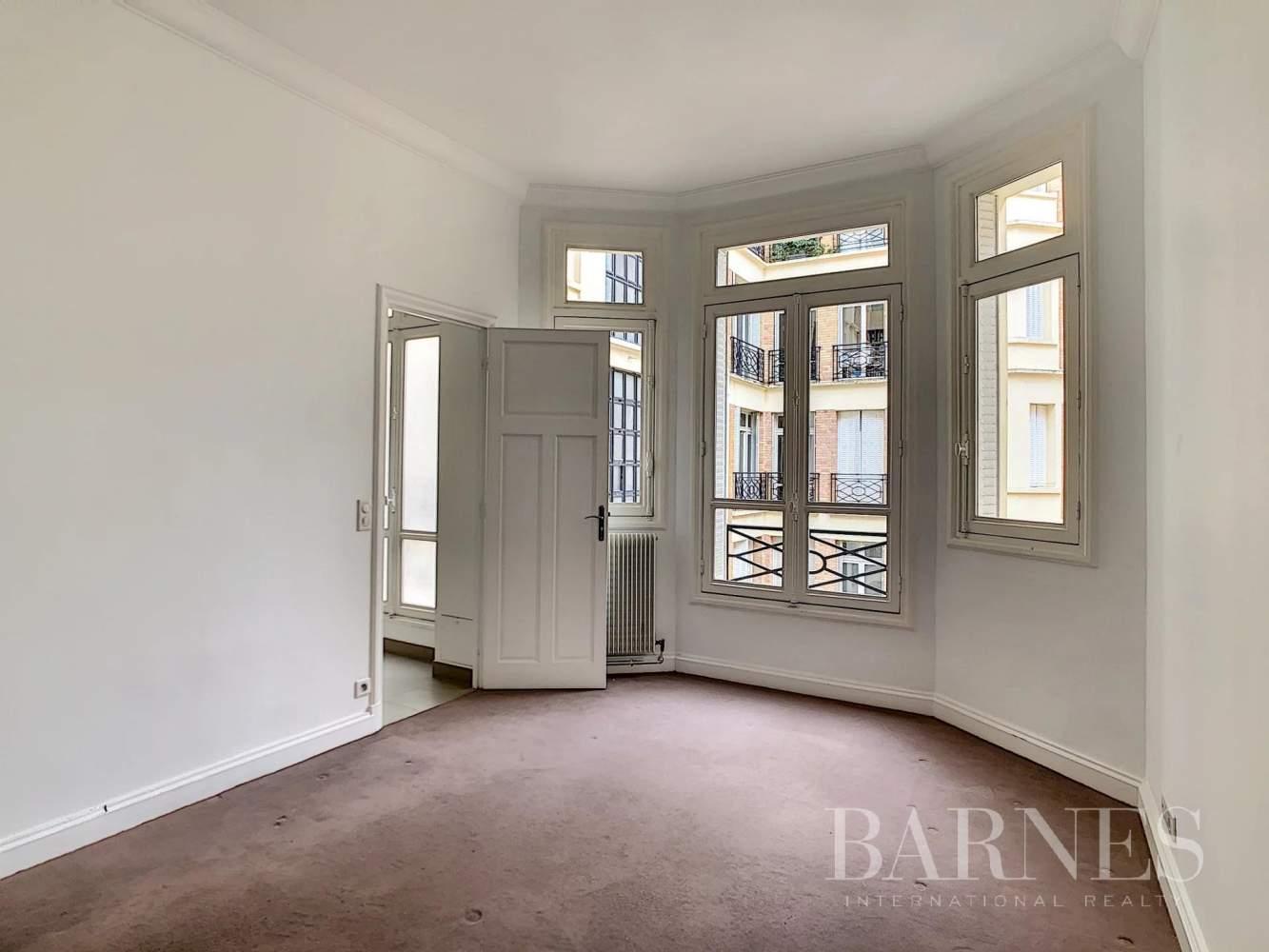 Paris  - Appartement 7 Pièces 3 Chambres - picture 9