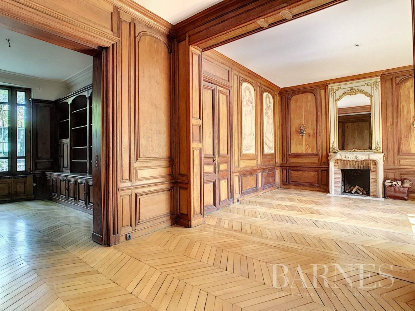 Paris  - Hôtel particulier 9 Pièces 4 Chambres - picture 3