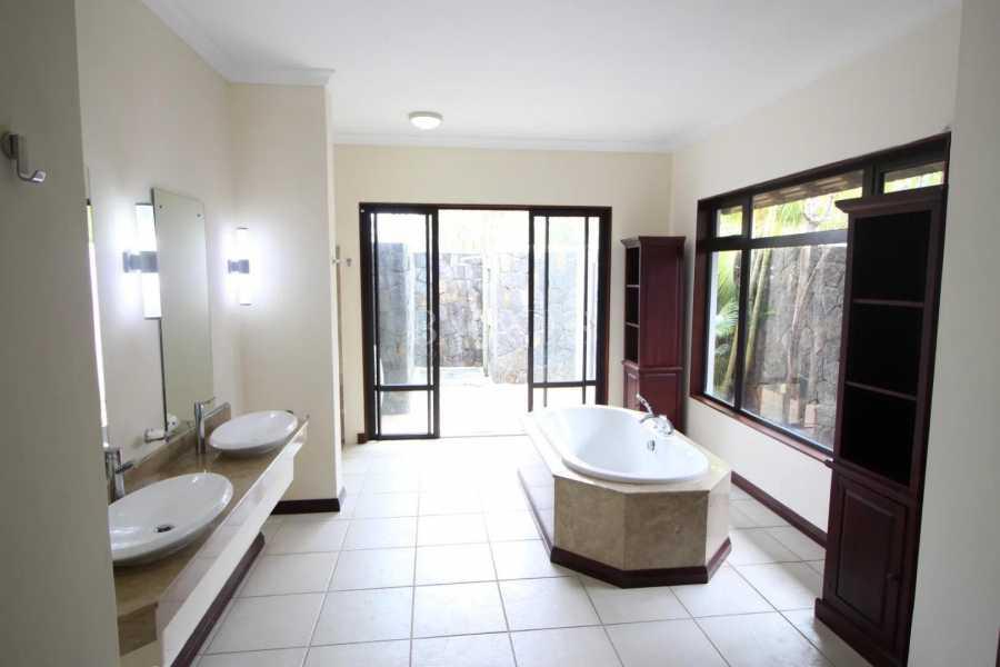 Tamarin  - Villa 5 Bedrooms