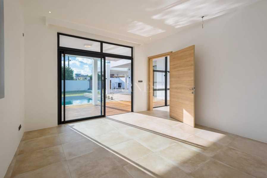 Quatre Bornes  - House 4 Bedrooms