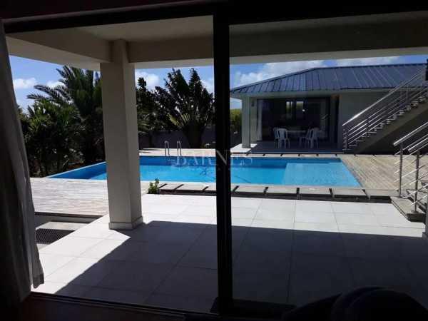 Villa Mont Piton  -  ref 5281305 (picture 2)