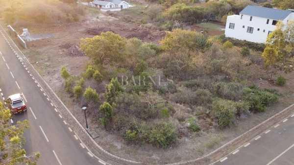 Terrain résidentiel Rivière Noire  -  ref 6069070 (picture 2)