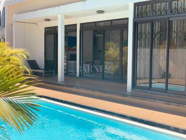 Villa Belle Mare  -  ref 5282043 (picture 2)