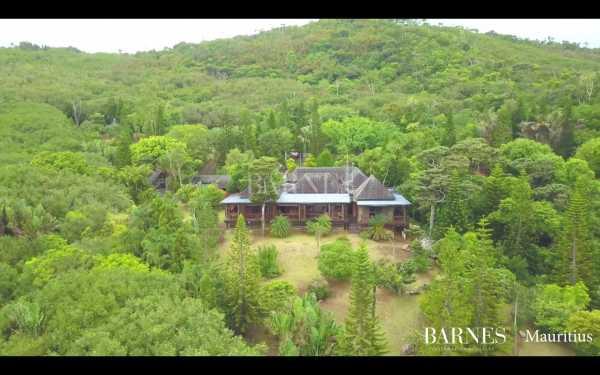 Villa Chamarel  -  ref 5282005 (picture 1)