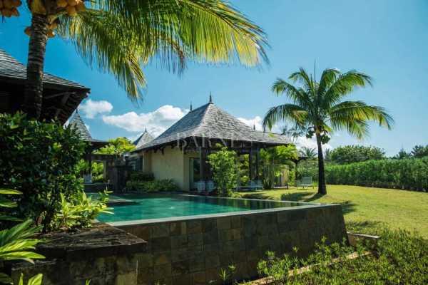 Villa Bel Ombre  -  ref 5845917 (picture 2)