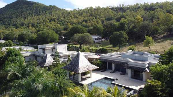 Villa Rivière Noire  -  ref 5755066 (picture 1)
