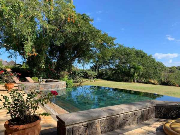 Villa Tamarin  -  ref 5281861 (picture 1)