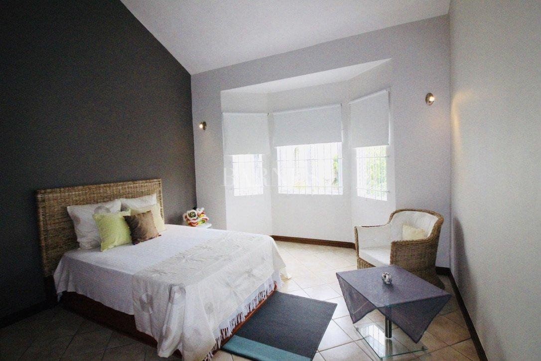 Blue Bay  - House 6 Bedrooms - picture 10