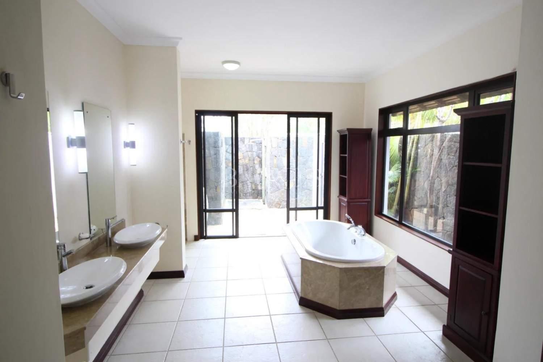 Tamarin  - Villa 5 Bedrooms - picture 6