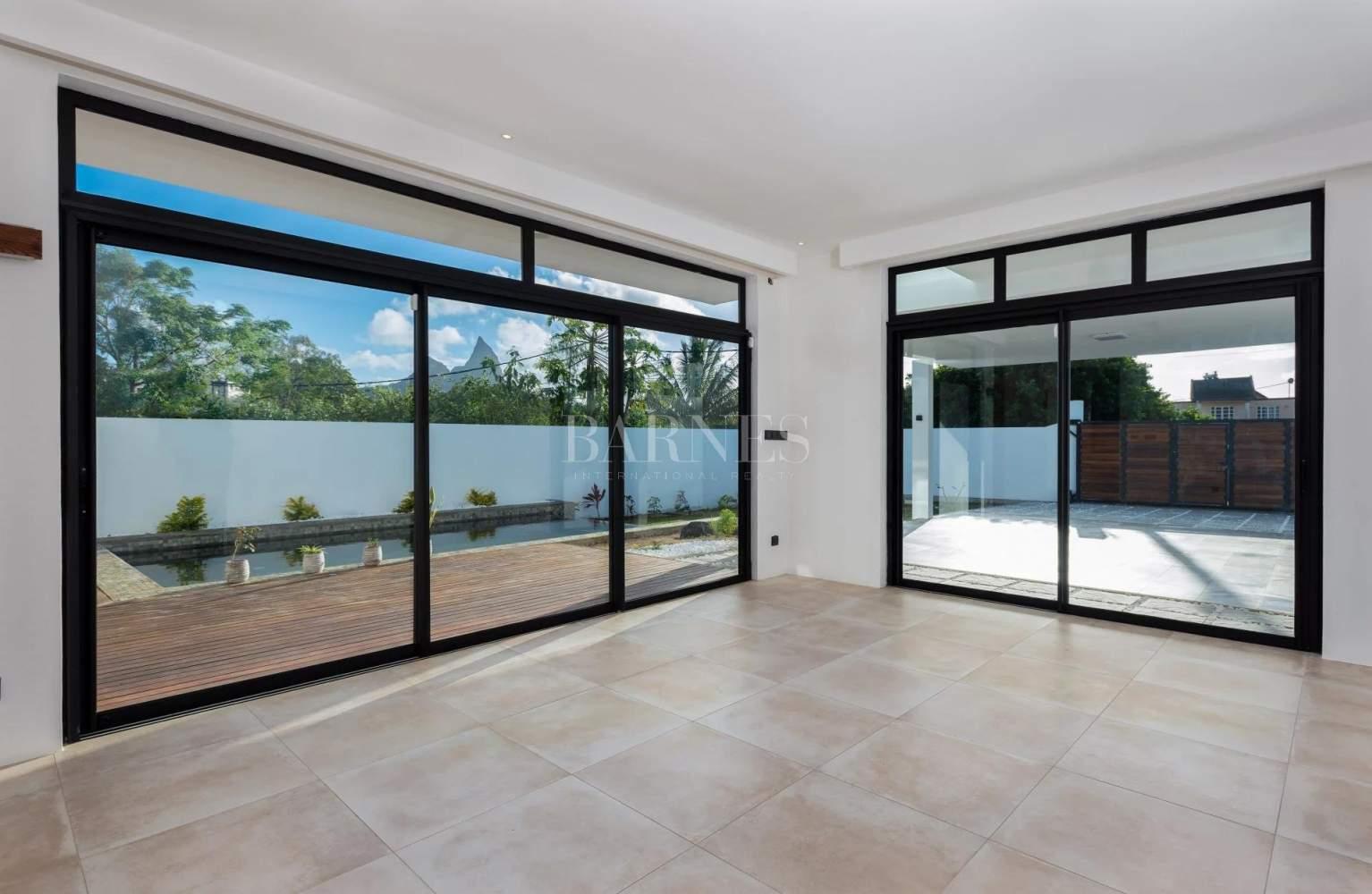Quatre Bornes  - House 4 Bedrooms - picture 4
