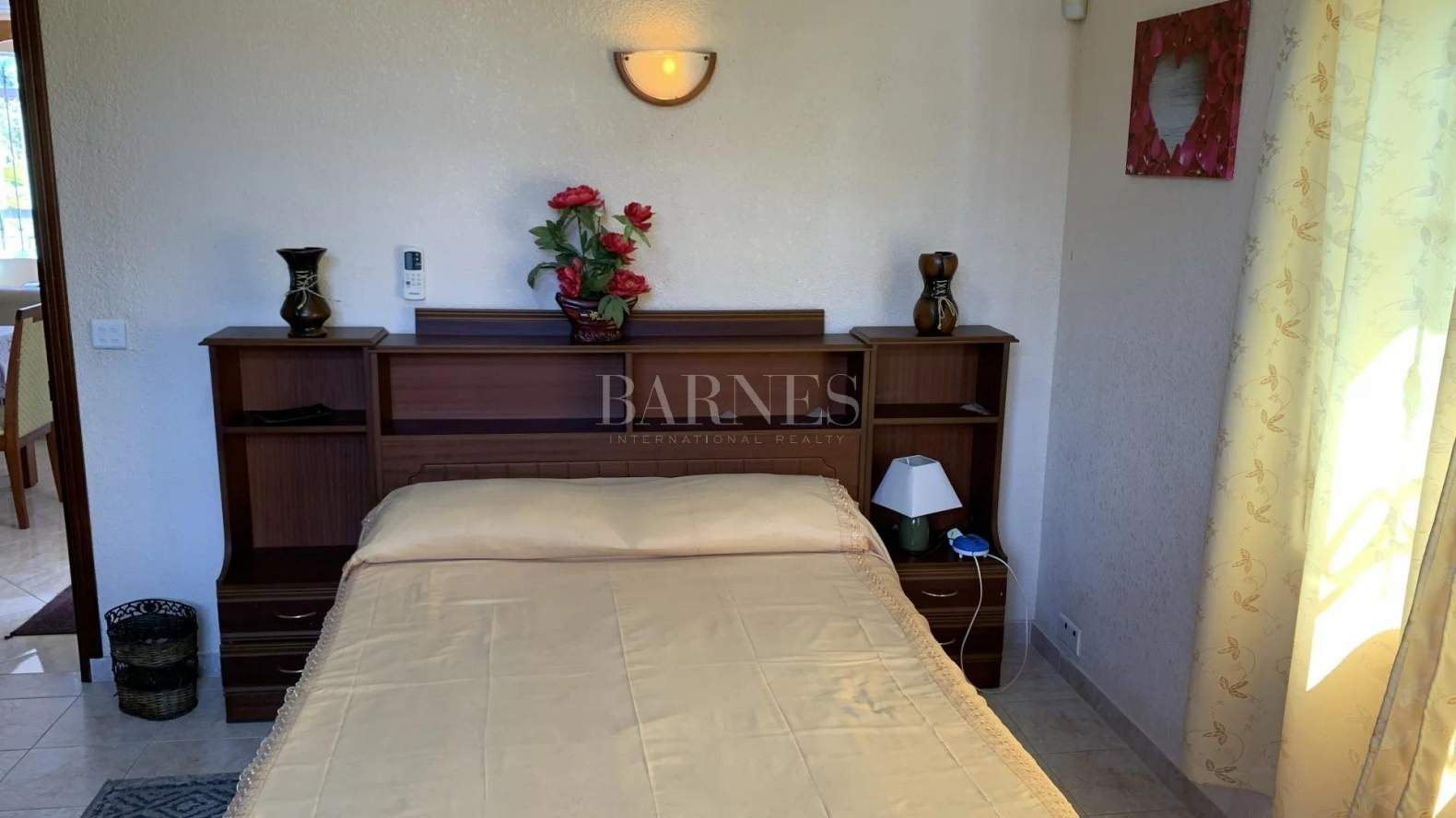Belle Mare  - House 4 Bedrooms - picture 8