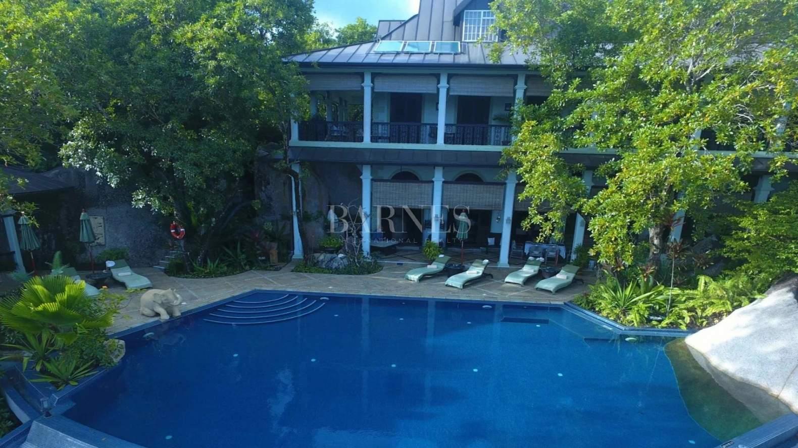 Anse Royale  - Villa 5 Bedrooms - picture 2