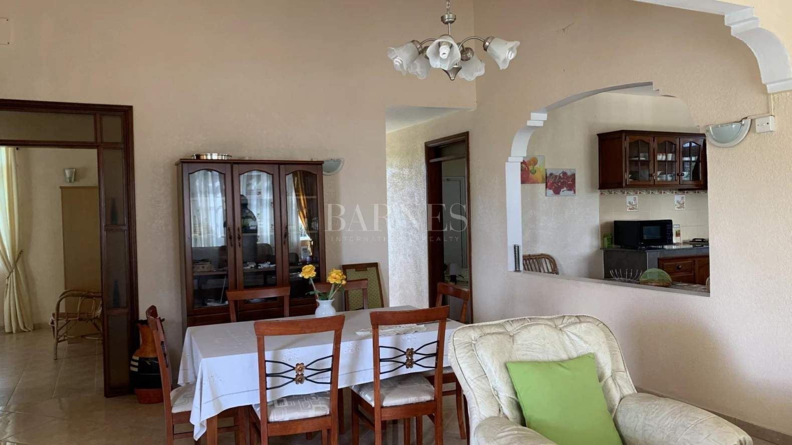 Belle Mare  - House 4 Bedrooms - picture 15