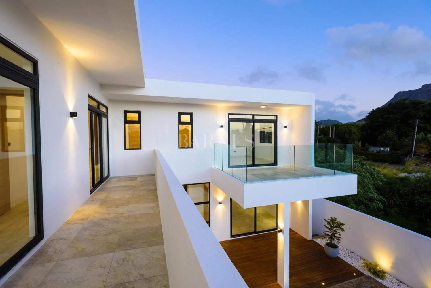Quatre Bornes  - House 4 Bedrooms - picture 9