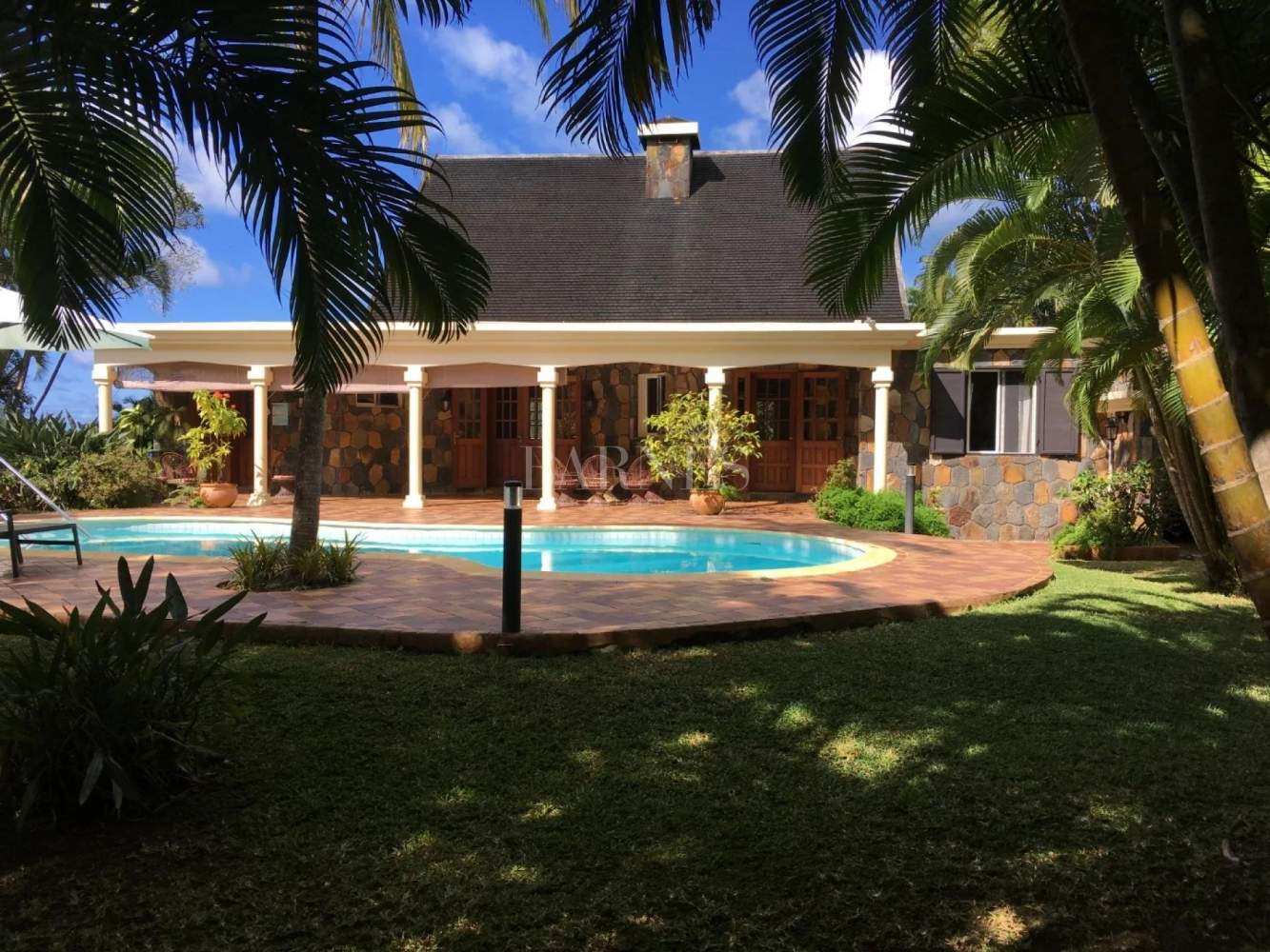 Anse Jonchée  - House 4 Bedrooms - picture 1