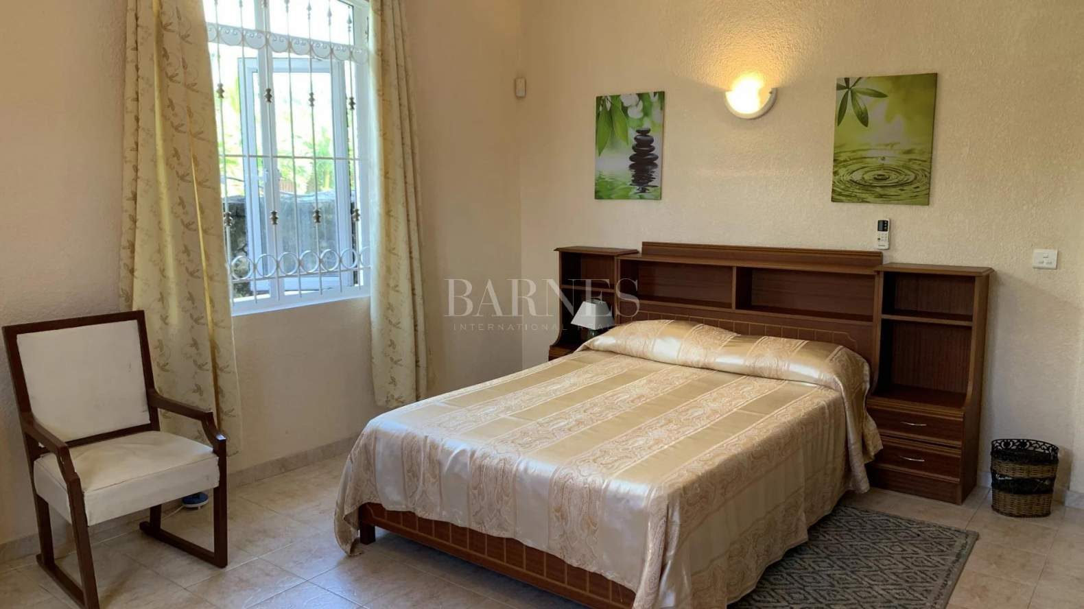 Belle Mare  - House 4 Bedrooms - picture 7