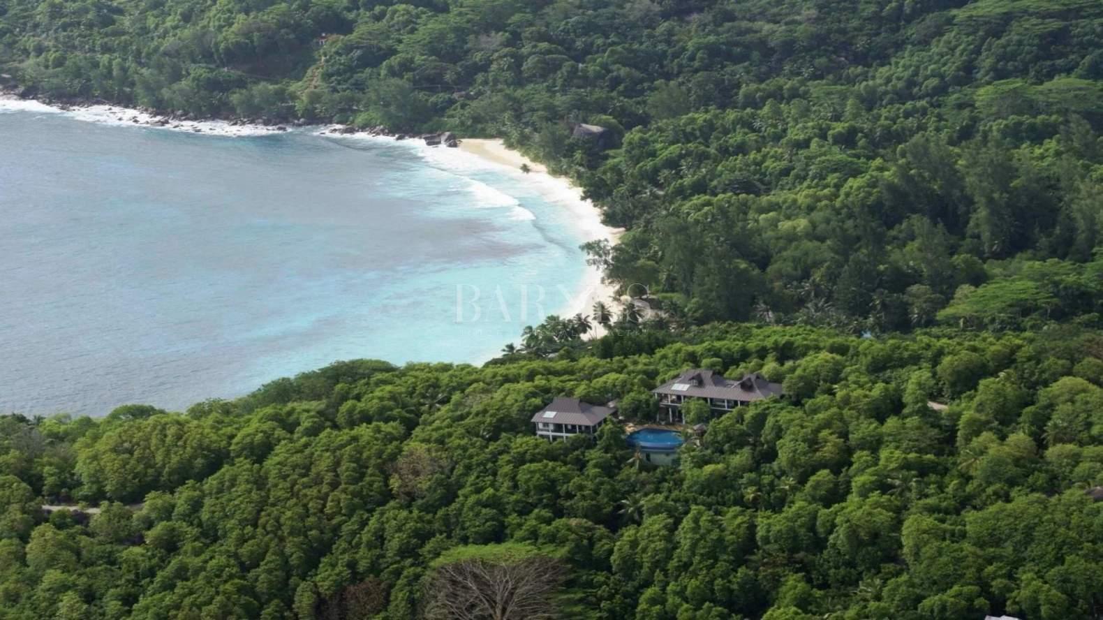 Anse Royale  - Villa 5 Bedrooms - picture 1