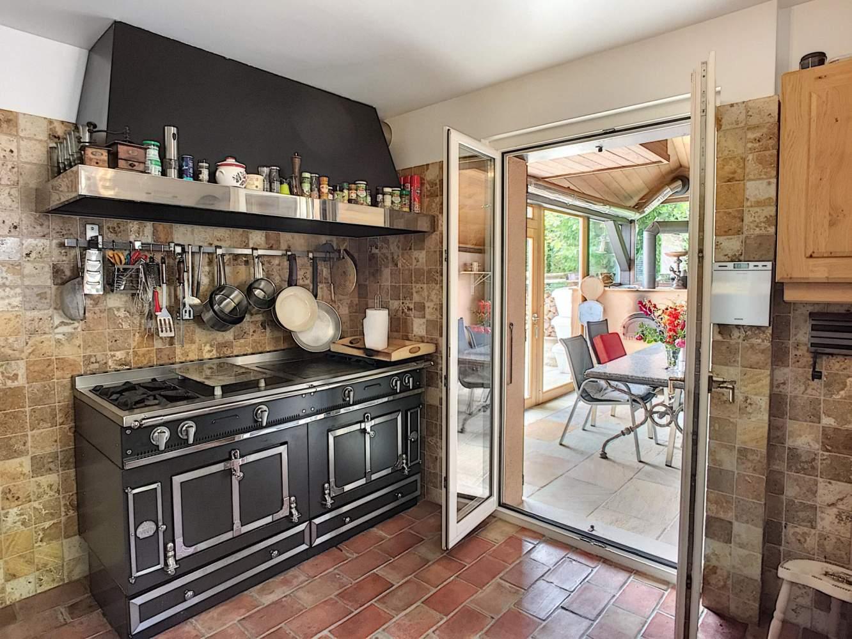 Bougy-Villars  - Maison 7.5 Pièces 4 Chambres - picture 8