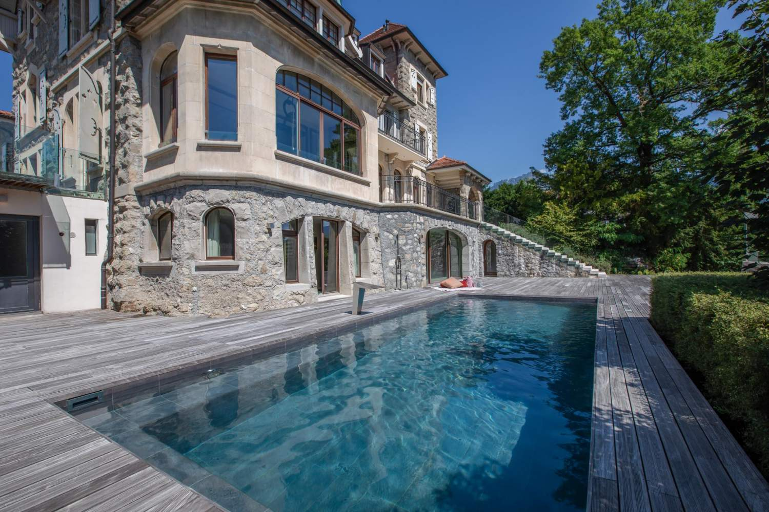 Montreux  - House 7 Bedrooms - picture 1