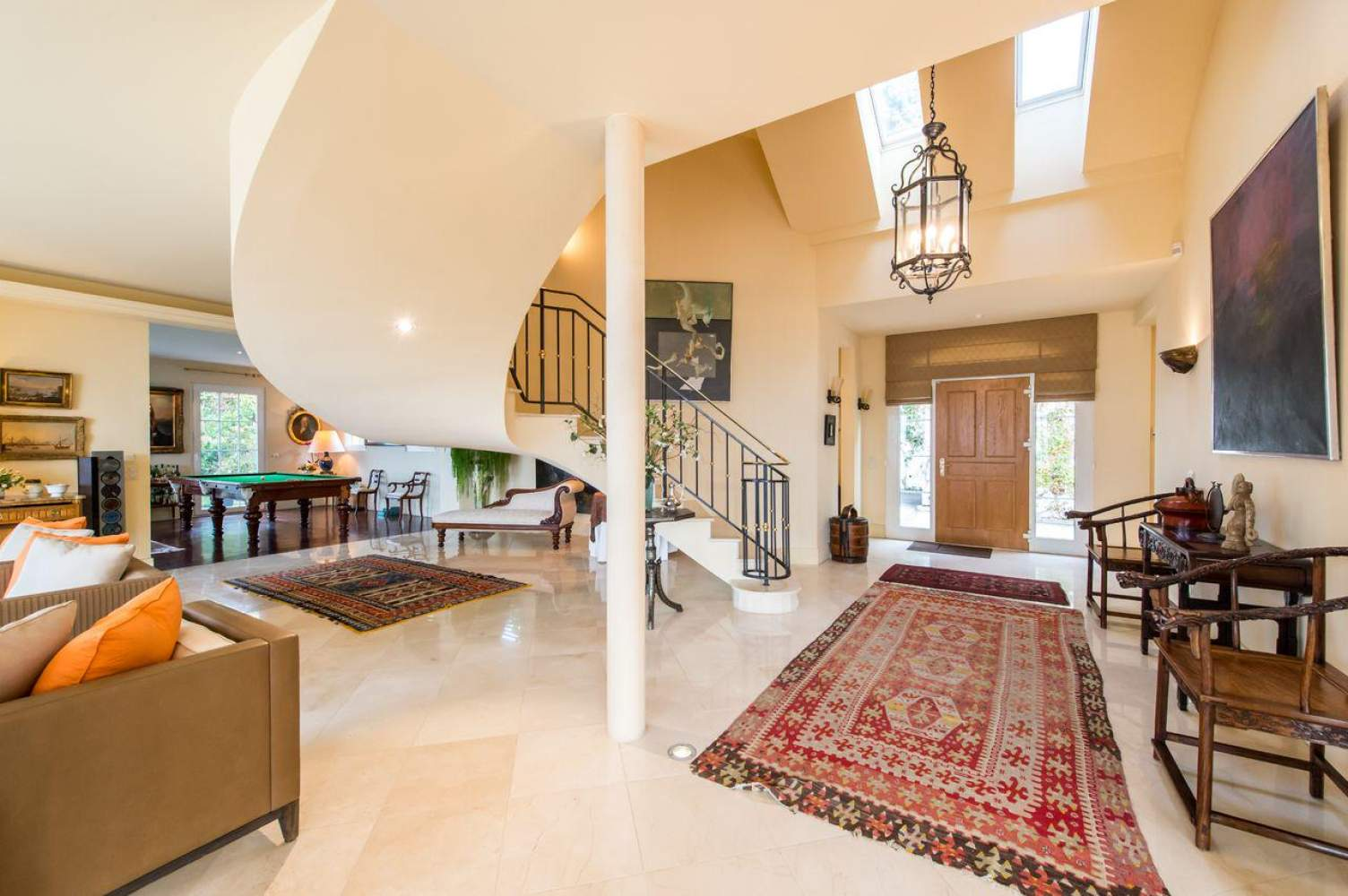 Master property with panoramic view picture 2