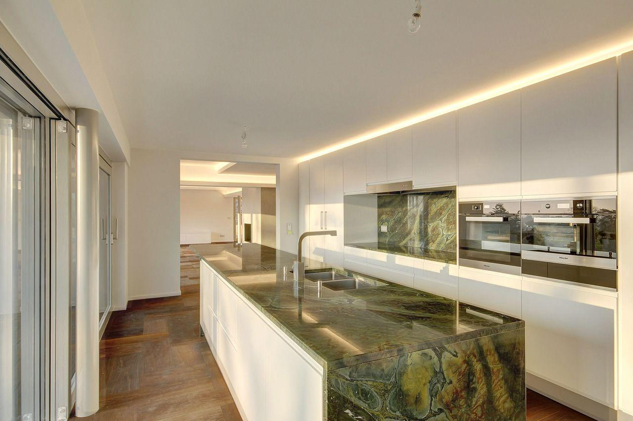 Montreux  - House 4 Bedrooms - picture 8