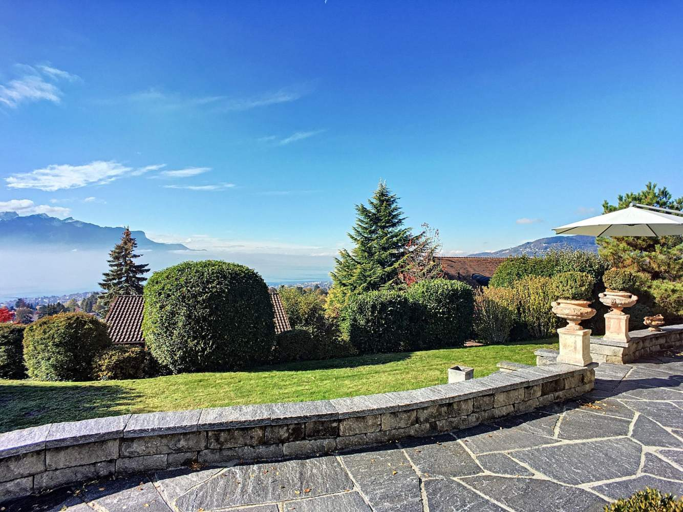 Belle maison de 6.5 pièces avec vue panoramique sur le lac picture 11