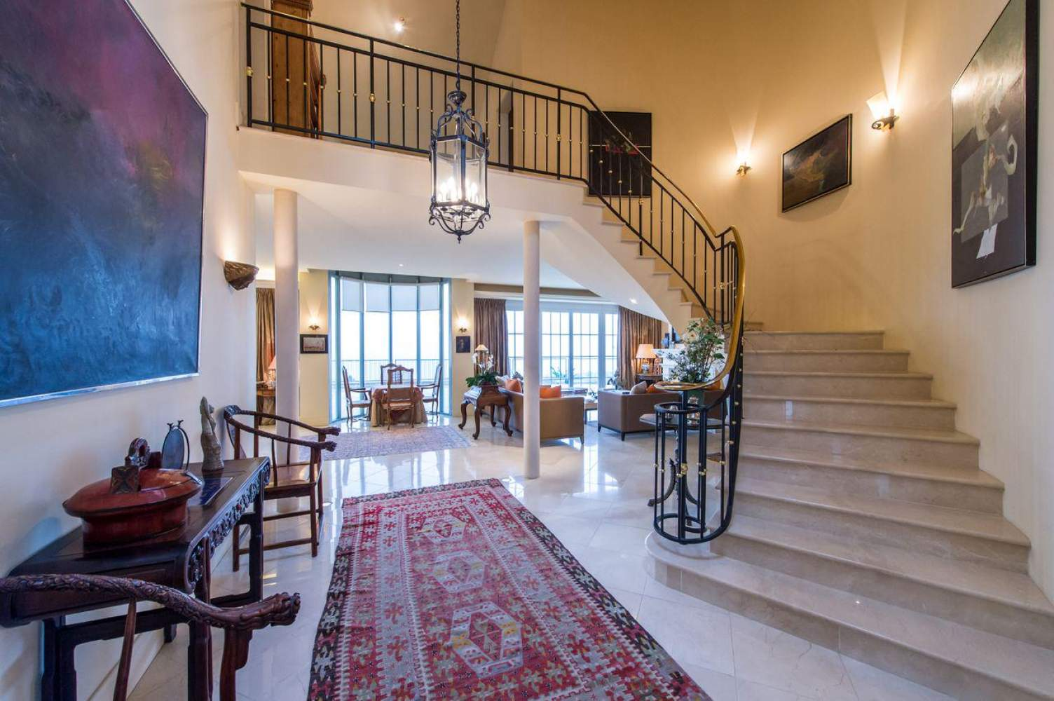 Master property with panoramic view picture 3