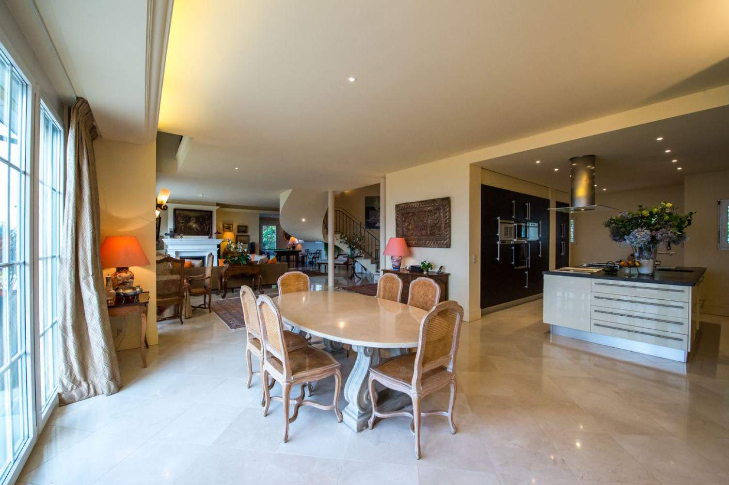 Master property with panoramic view picture 6