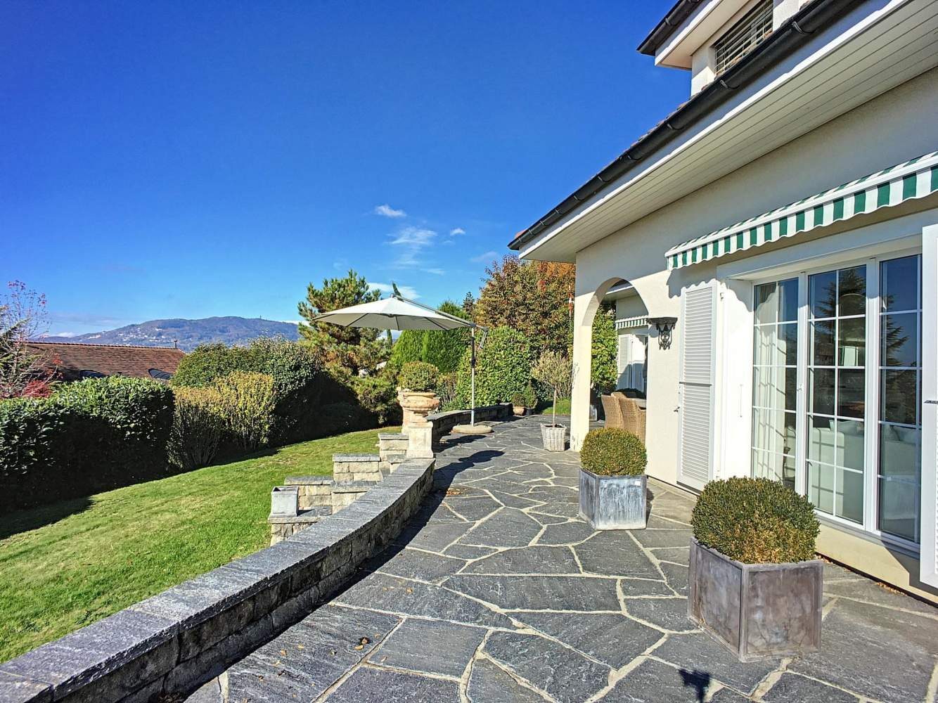 Belle maison de 6.5 pièces avec vue panoramique sur le lac picture 12