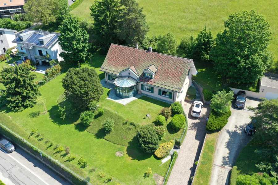 Belmont-sur-Lausanne  - Maison 7 Pièces 5 Chambres