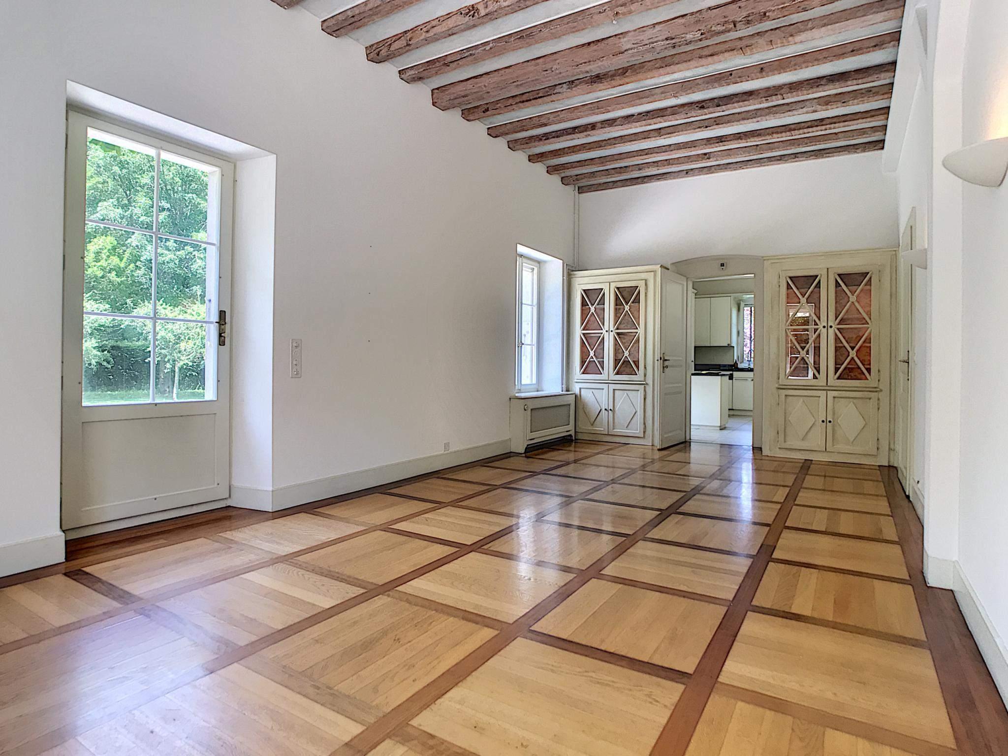 Bogis-Bossey  - Maison 10.5 Pièces 6 Chambres - picture 3