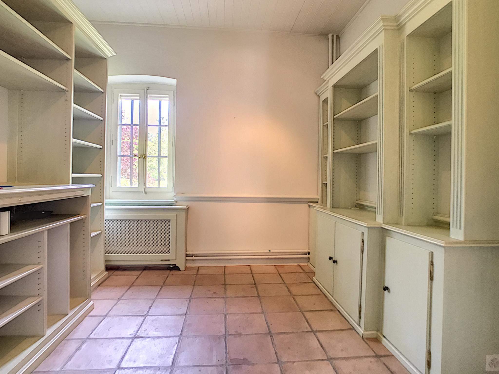 Bogis-Bossey  - Maison 10.5 Pièces 6 Chambres - picture 7
