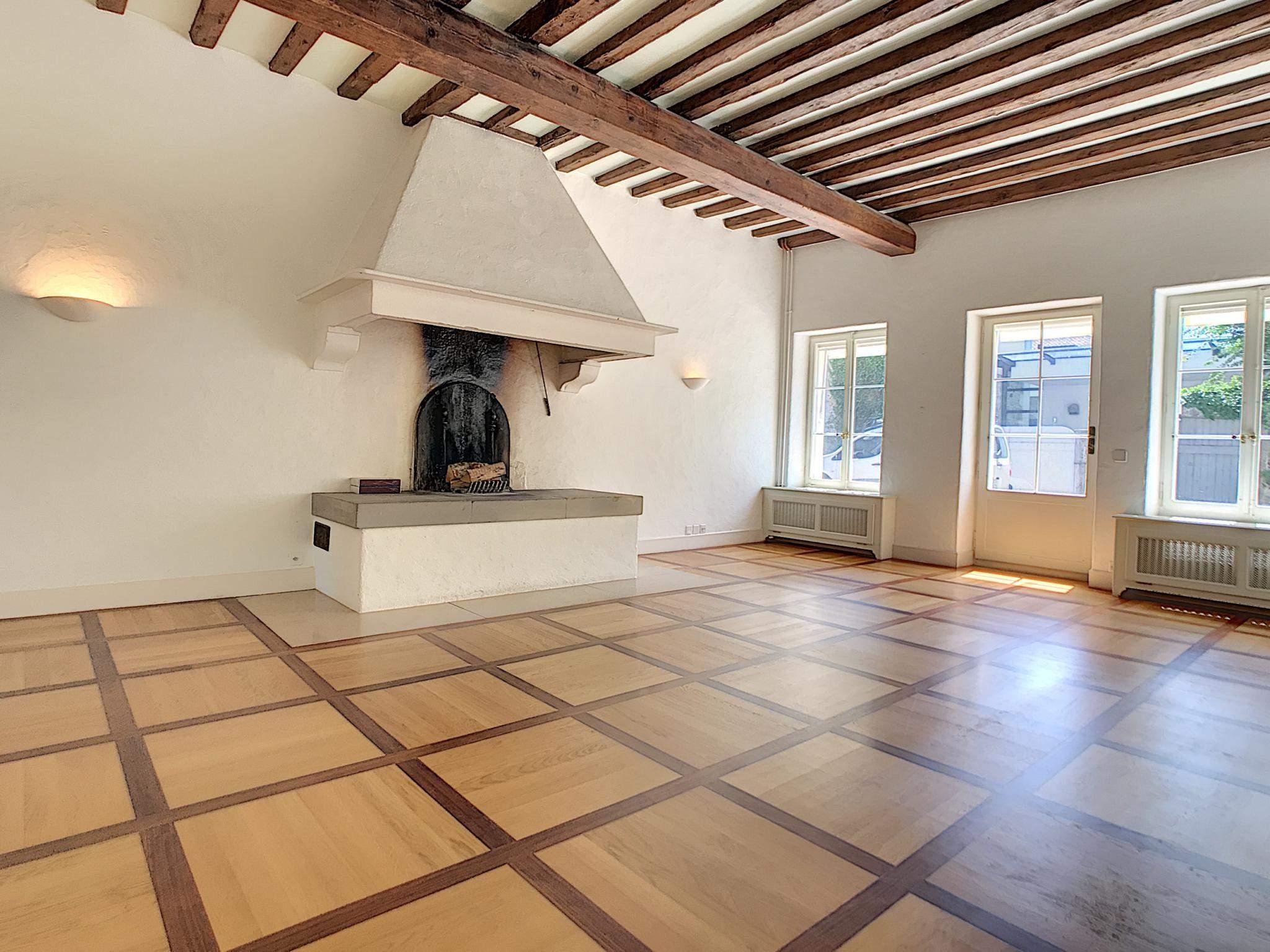 Bogis-Bossey  - Maison 10.5 Pièces 6 Chambres - picture 2