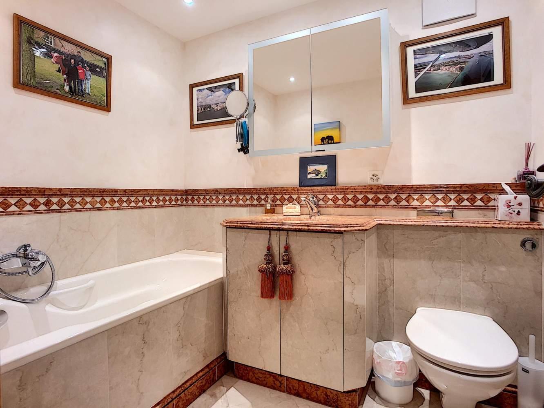 Splendide appartement d'exception avec piscine privée intérieure et appartement d'invités de 3 pièces picture 10