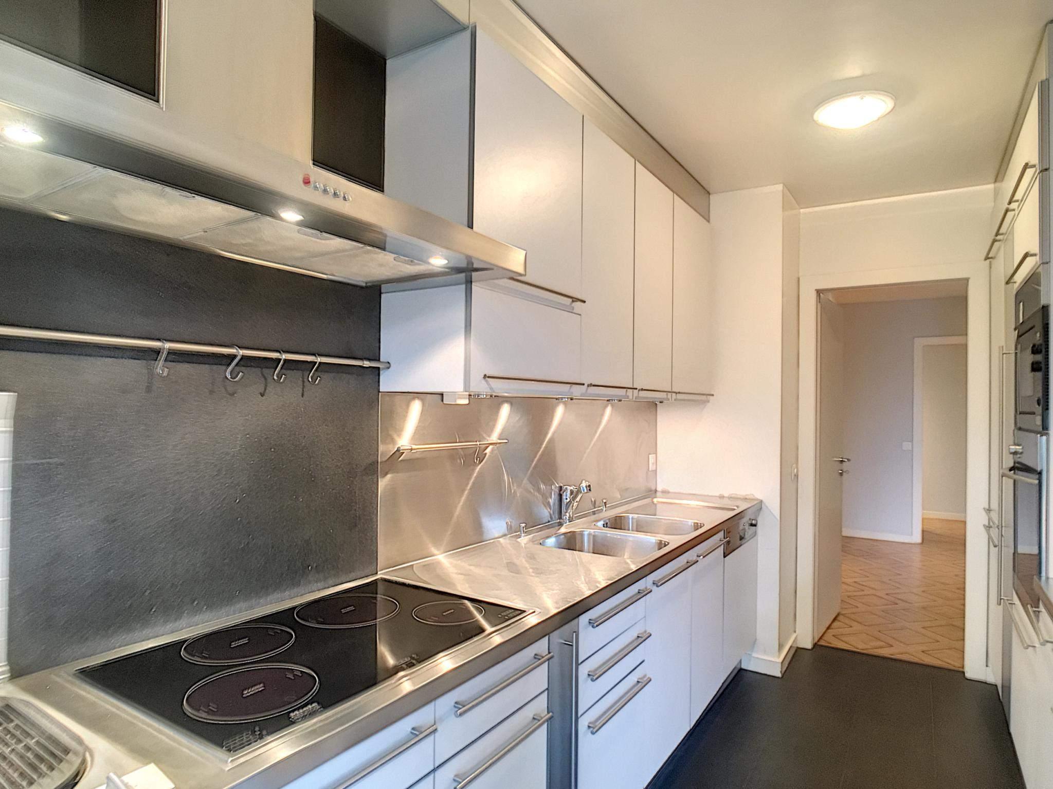 Florissant - Superbe appartement traversant de standing avec 3 chambres picture 2