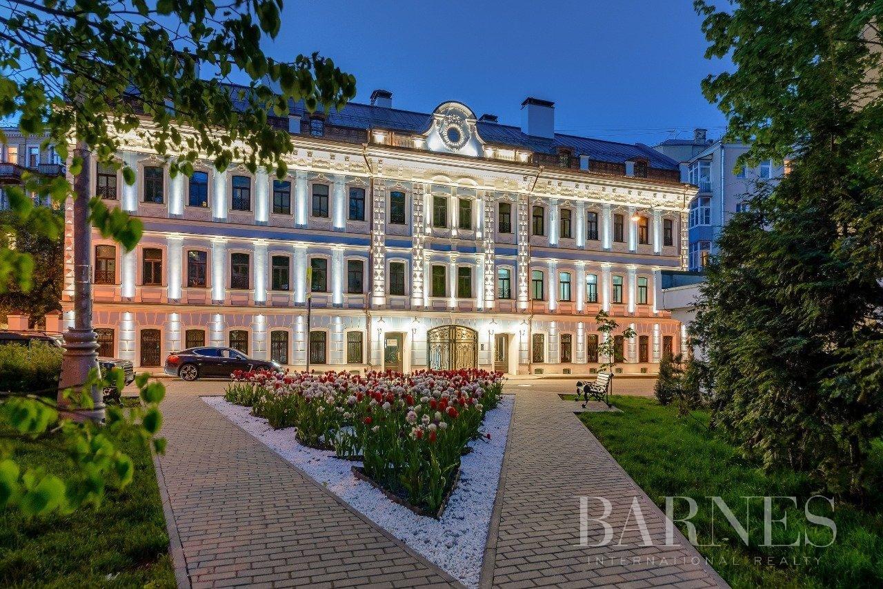 Moscow  - Апартаменты 3 Комнаты 2 Спальни - picture 1