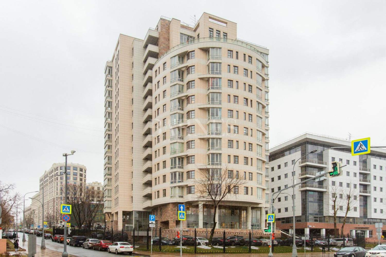 Moscow  - Квартира 4 Комнаты - picture 1