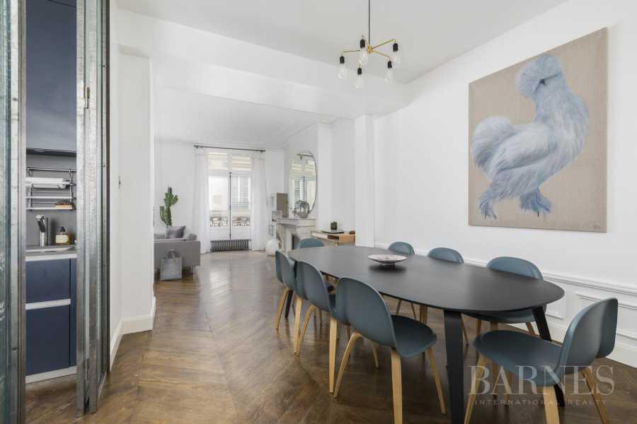Paris  - Appartement 4 Pièces 2 Chambres