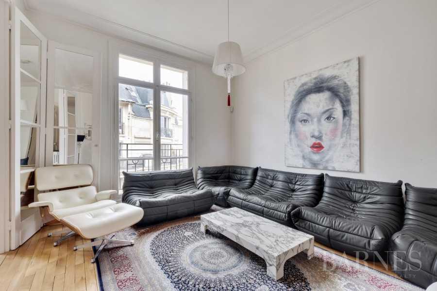 Paris  - Appartement 3 Pièces, 1 Chambre