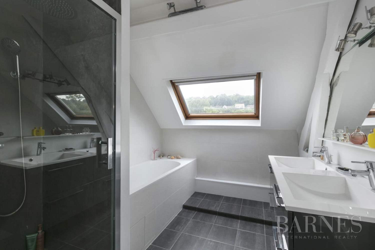LA VARENNE SAINT-HILAIRE - Triangle d'Or - PROPRIETE  D'EXCEPTION 250 m²  EDIFIEE SUR 920 m² picture 15