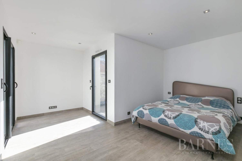 EXCLUSIVITE BARNES - SAINT-MAUR-DES-FOSSES - MAISON D'ARCHITECTE PLAIN-PIED - 155 m² - JARDIN 500 m² picture 11