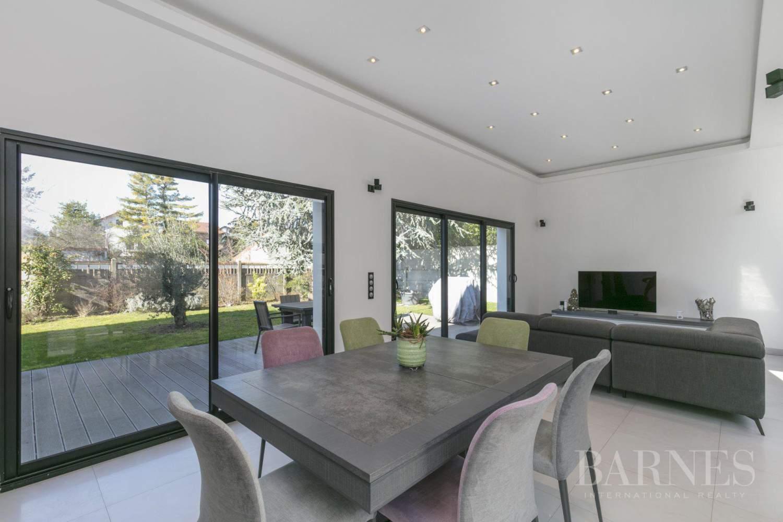 EXCLUSIVITE BARNES - SAINT-MAUR-DES-FOSSES - MAISON D'ARCHITECTE PLAIN-PIED - 155 m² - JARDIN 500 m² picture 3